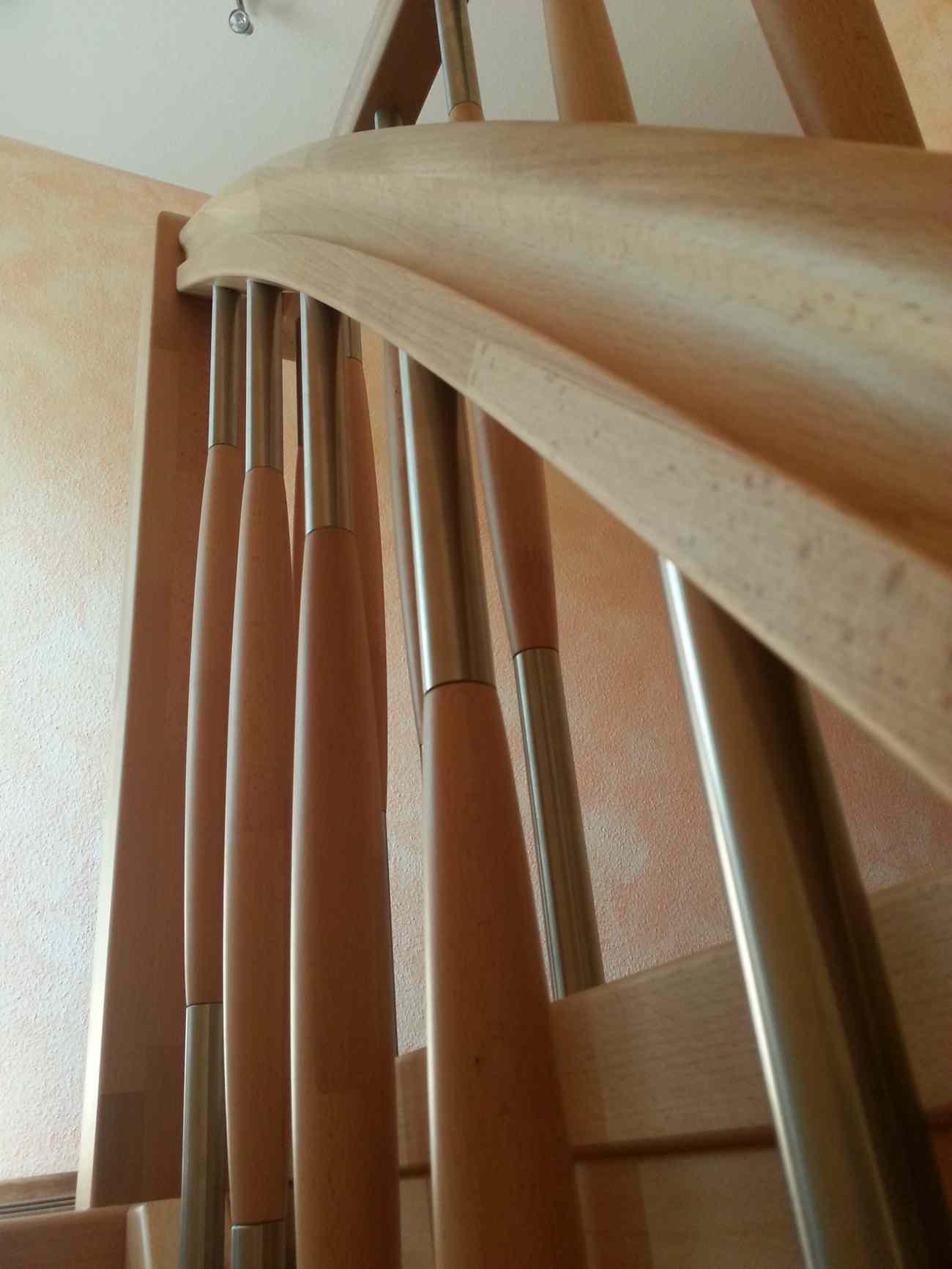 Treppe aus 55 mm Buchenleimholzplatte
