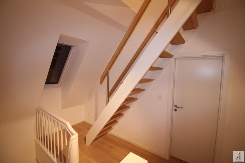 treppe zum dachboden eiche wei tischlerei albers. Black Bedroom Furniture Sets. Home Design Ideas