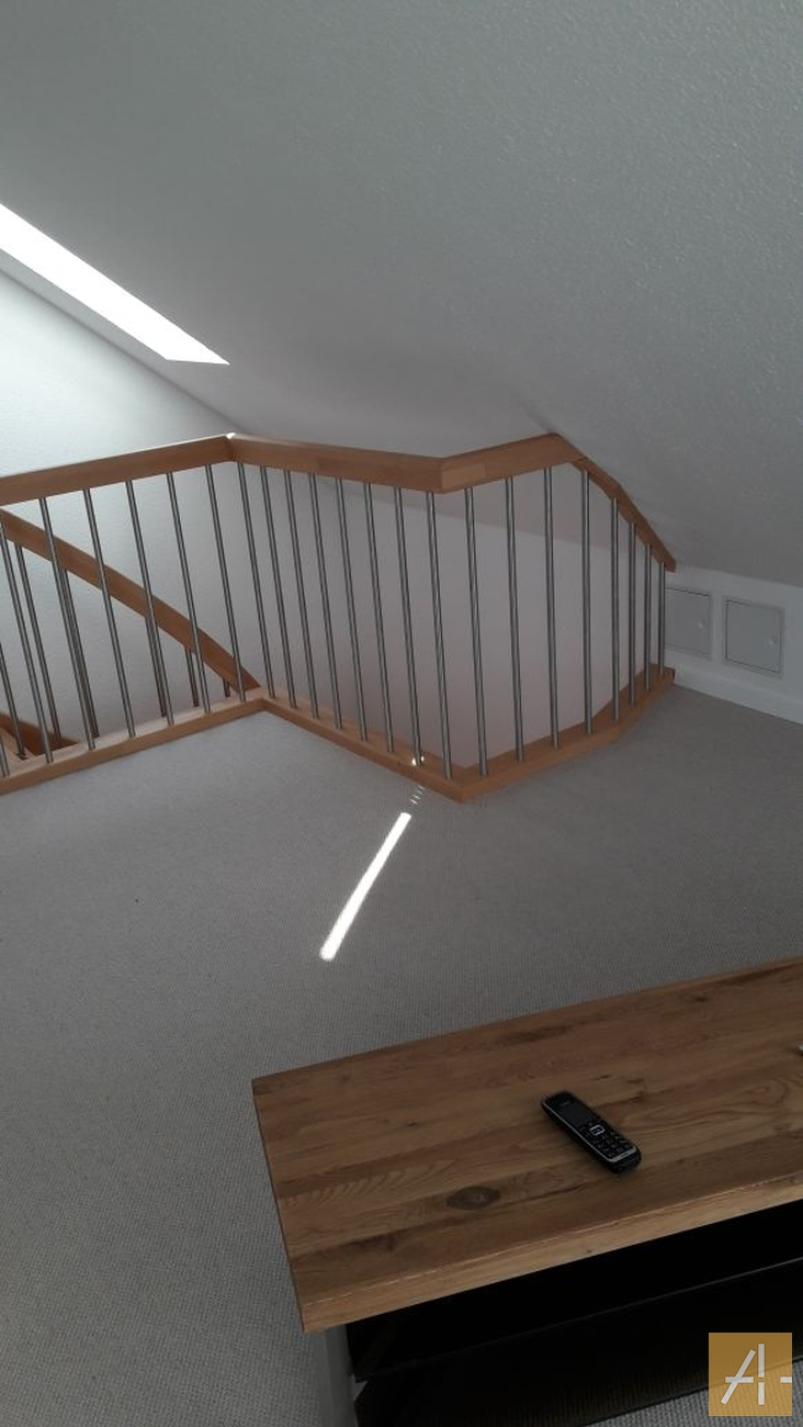 Kleine Treppe zum Dachboden