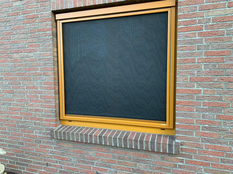 Sonnenschutz fürs Fenster: Blinos textiles Außenrolle