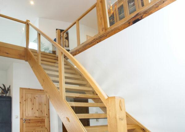 handwerkliche Holztreppe Tischlerei Albers