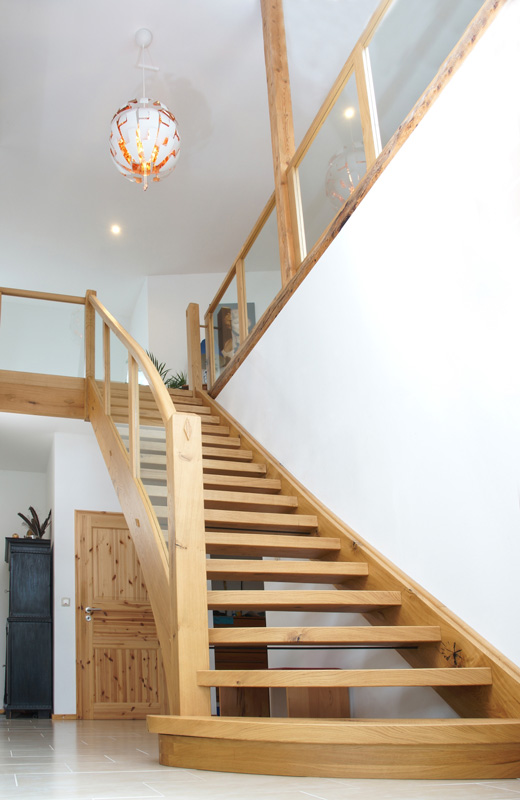 Handwerkliche Holztreppe Eiche Tischlerei Albers
