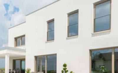 Bodentiefe Glasfenster: Balkonfeeling mit Absturzsicherung