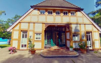 Holzfenster und Haustüre fürs alte Fachwerkhaus. Denkmalschutz